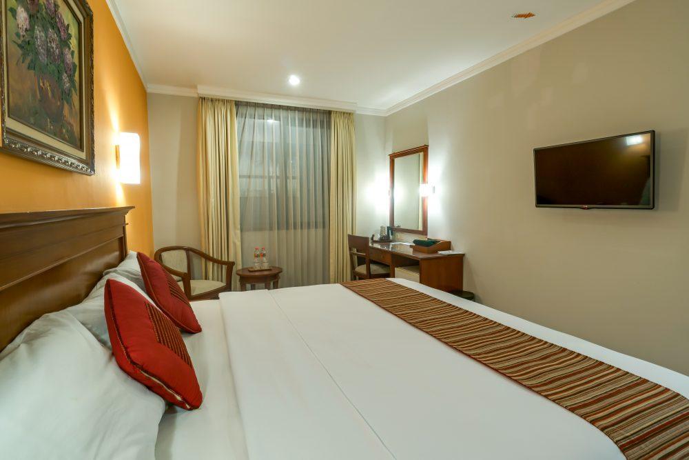 Suite Room Hotel Sofyan Soepomo Hotel dekat Smesco